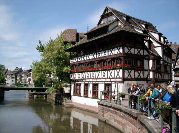 Alsace province of france part 5 for Animateur maison france 5